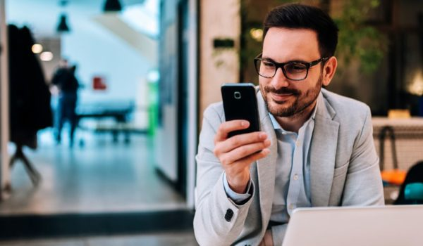 Business Texting 101: How and When to Use it